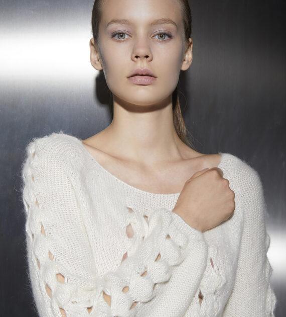 https://www.mariasapio.it/wp-content/uploads/2020/11/mariasapio-handmade-knitwear-fallwinter-mkr-01-dress_1-570x630.jpg