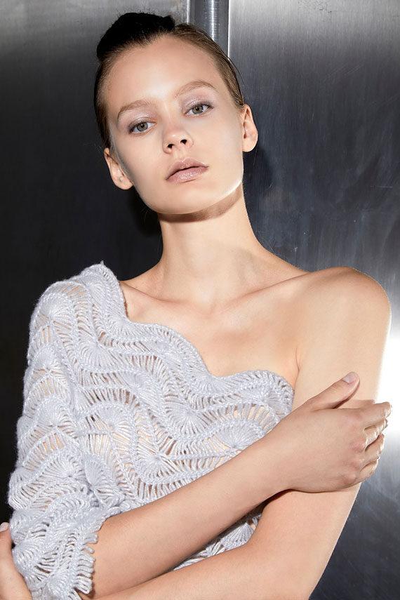 https://www.mariasapio.it/wp-content/uploads/2021/01/mariasapio-handmade-knitwear-fallwinter-fsh-02b-dress-570x855.jpg